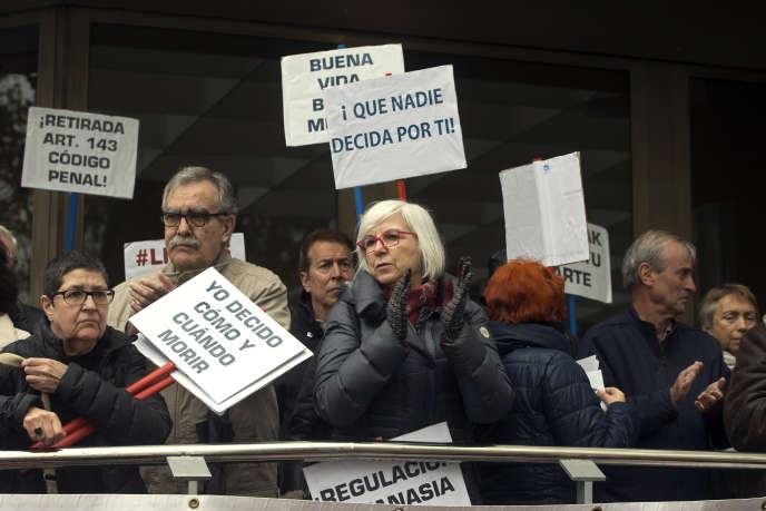 Manifestation de soutien à Angel Hernandez, à Madrid (Espagne), le 5 avril.