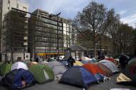 Un campement de migrants à la Porte d'Aubervilliers à Paris, le 8 avril.