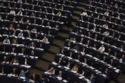 Les députés européens votent au Parlement de Strasbourg, le 28 mars.