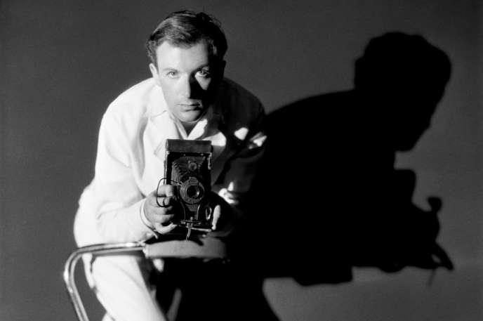 Le photographe Cecil Beaton, un personnage semblant tout droit sorti de l'univers proustien.