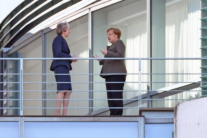 La première ministre britannique, Theresa May, et la chancelière allemande, Angela Merkel, le 9avril 2019, àBerlin.