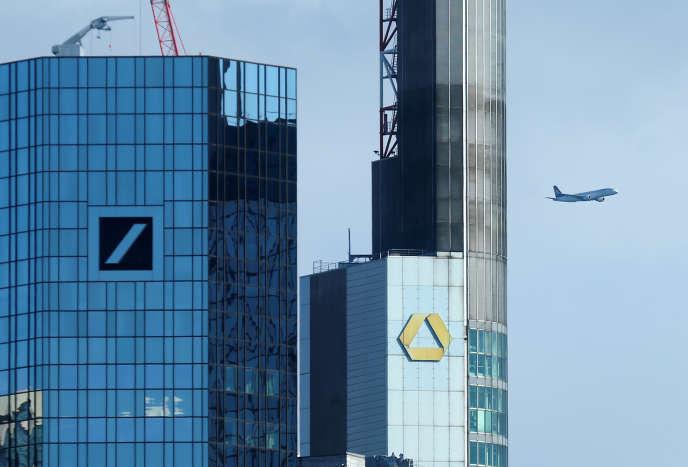 Les bureaux de la Deutsche Bank et de la Commerzbank, à Francfort, en mars.