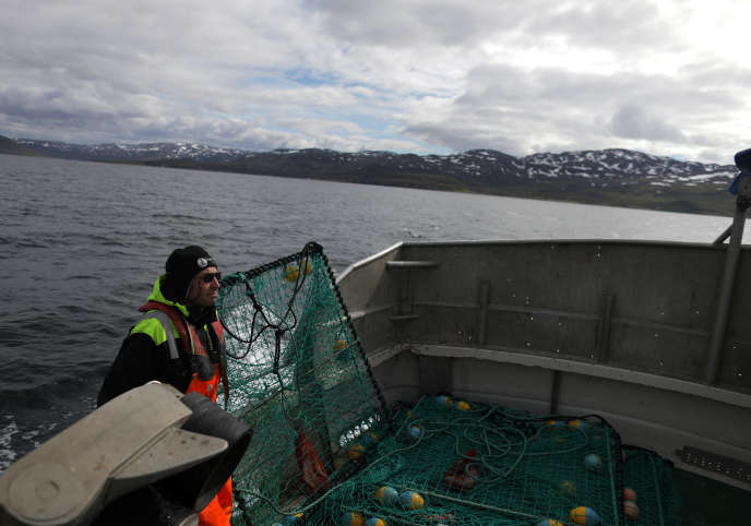 Un pêcheur sami à Repparfjord, en Norvège, le 13 juin 2018.