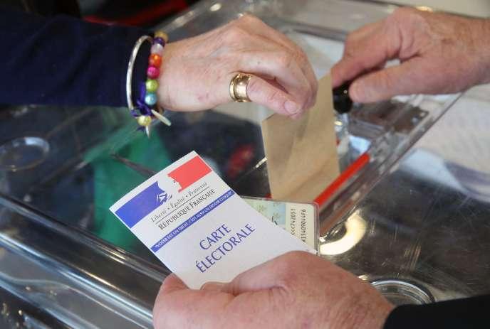Le référendum d'initiative partagée, ou RIP, a été instauré lors de la révision parlementaire de 2008.