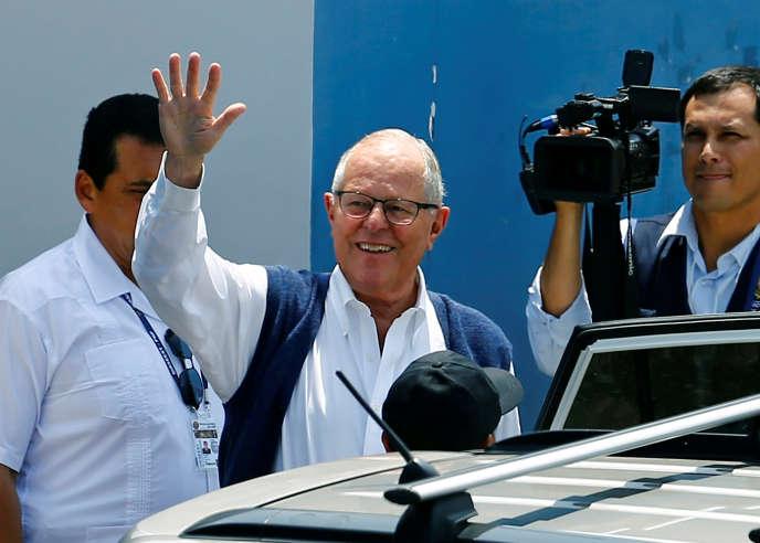 L'ex-président péruvien, Pedro Pablo Kuczynski, alors qu'un juge vient d'ordonner son arrestation, à Lima, le 10 avril.