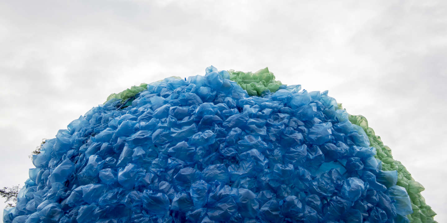 View of a sphere made out of plastic bags that simulates the contaminated earth during the launching of the