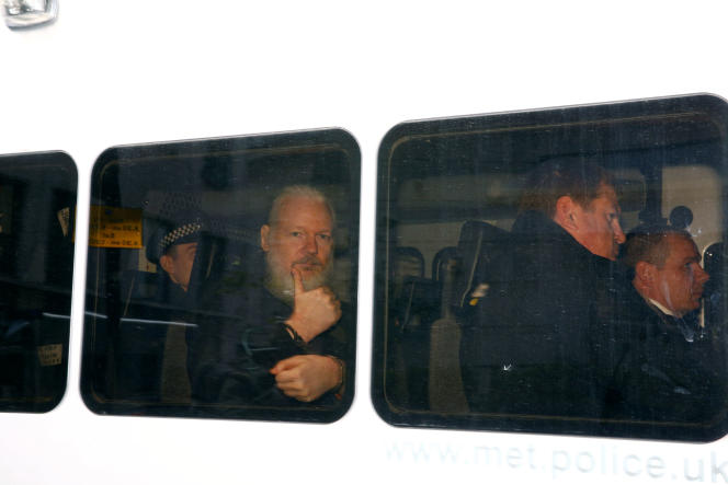 Julian Assange, après son arrestation, à Londres, le 11 avril.