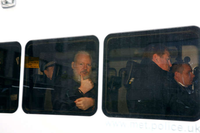 Julian Assange, après son arrestation, à Londres, le 11 avril.