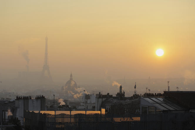Selon la Chambre des notaires du Grand Paris le prix au mètre carré des appartements anciens dans la capitale ressortait à 9610euros en janvier.