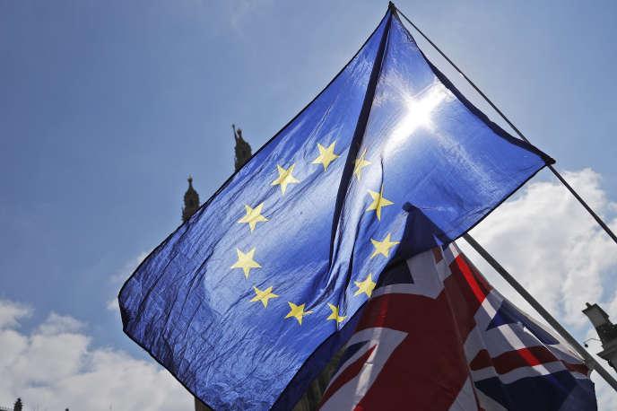 « Il ne serait pas acceptable que le Royaume-Uni déclare une guerre commerciale à ses voisins européens et jouisse librement de l'accès à leurs marchés.»