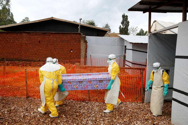 Plus de 1 100 personnes sont mortes du virus Ebola.