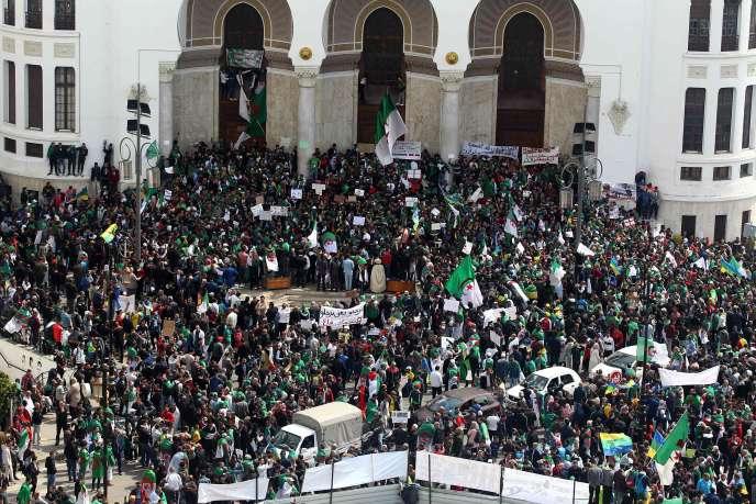 A Alger, le 12 avril.