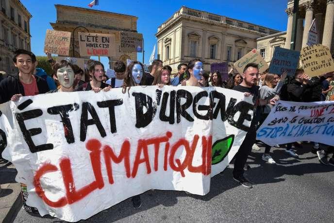 Quelques milliers de jeunes ont manifesté en France, comme ici à Montpellier, le 12 avril.