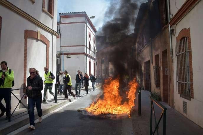 Des tensions ont éclaté à Toulouse, où plusieurs milliers de personnes ont manifesté le 13 avril.