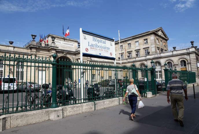 Le personnel soignant des services d'urgences de cinq hôpitaux parisiens sont en grève pour demander une amélioration de leurs conditions de travail.