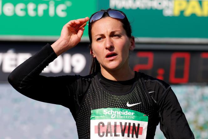 Clémence Calvin lors de son record de France du marathon féminin, le 14 avril à Paris.