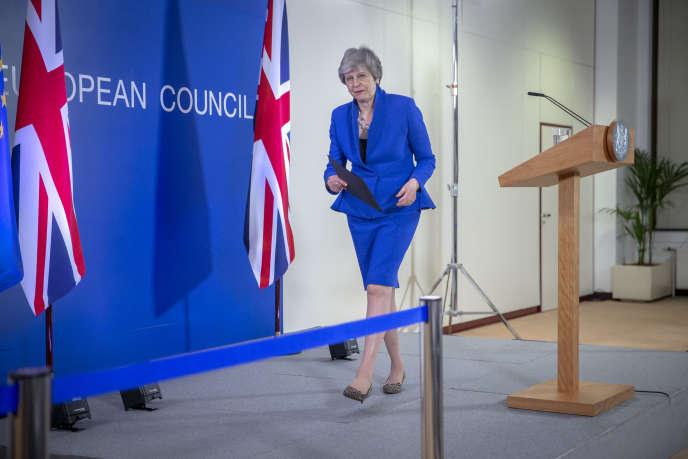 Theresa May, première ministre britannique, lors d'une conférence de presse au Conseil européen, à Bruxelles, le 10 avril.