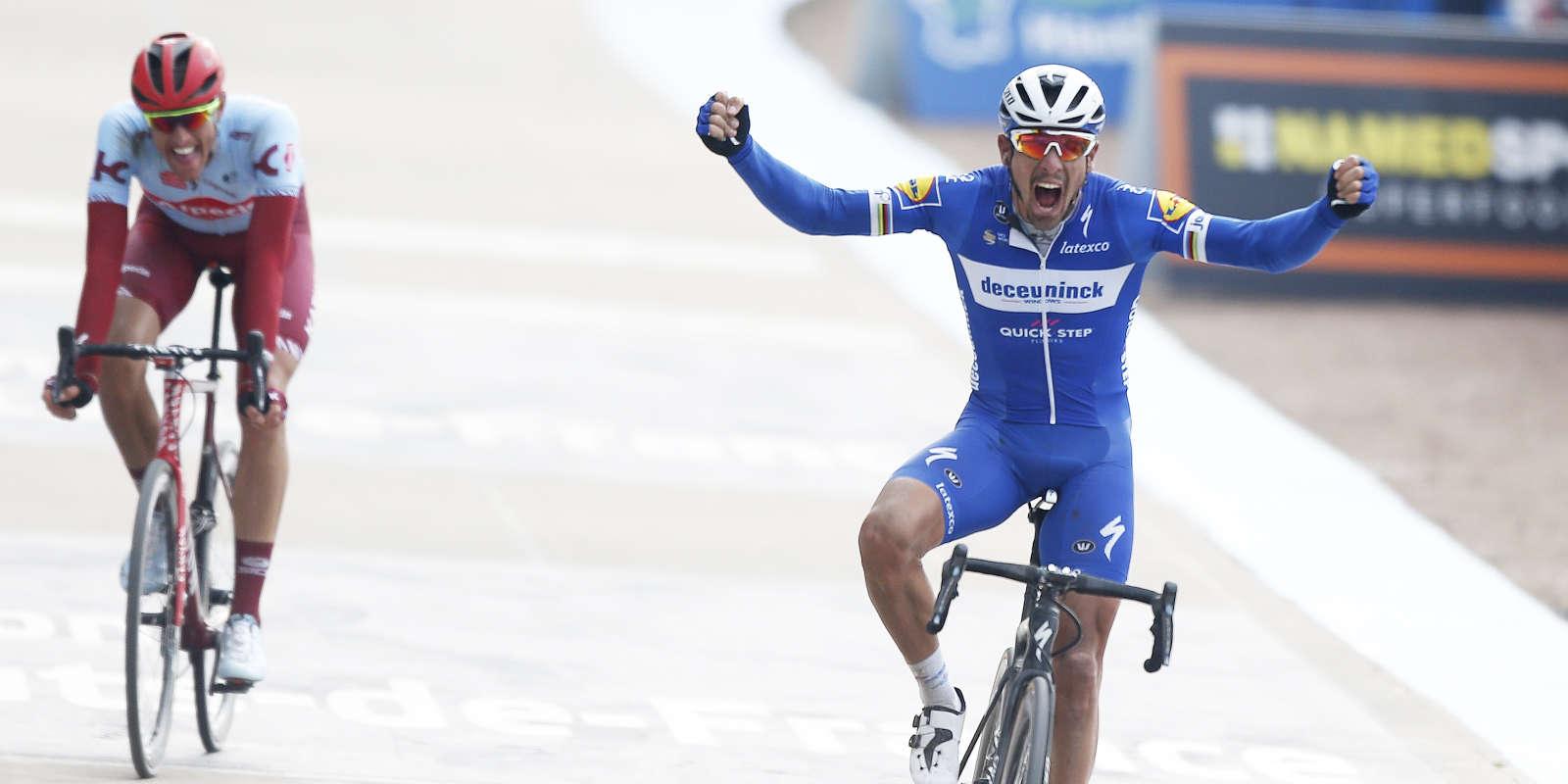 Philippe Gilbert s'impose devant Nils Politt lors de la 117e édition de Paris-Roubaix.