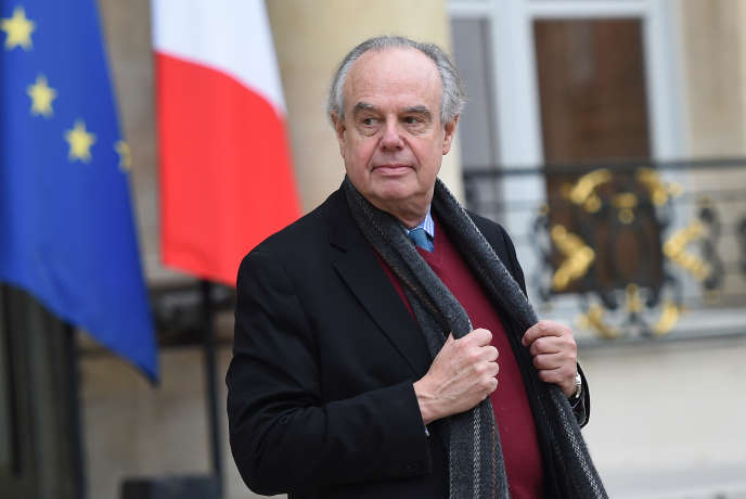 L'ancien ministre de la culture Frédéric Mitterrand, dans la cour de l'Elysée, le 8 décembre 2015.