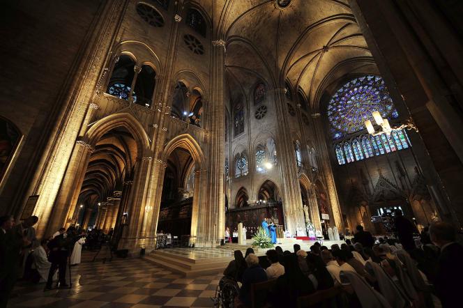Le chœur deNotre-Dame de Paris, en septembre 2008.