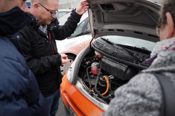 Lors d'une vente d'anciennes Autolib' à Romorantin (Loir-et-Cher), en novembre 2018.