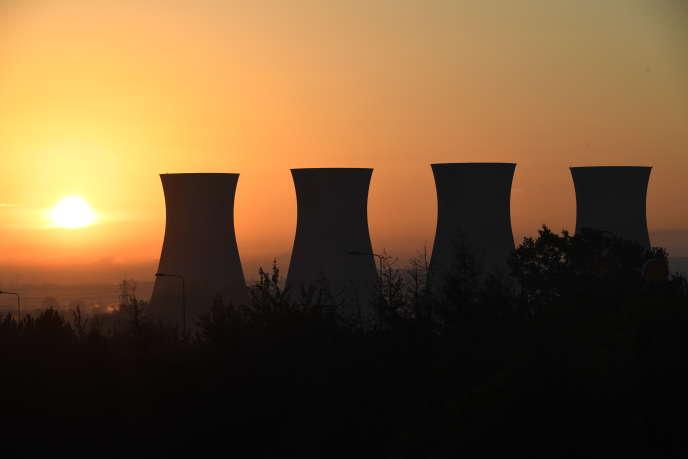 Des tours de refroidissement de la centrale électrique à charbon abandonnée deWillington, dans le nord de l'Angleterre, le 29octobre2018.