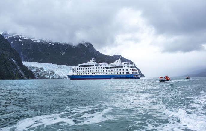 Le « Ventus-Australis »a été spécialement conçu pour naviguer sur les canaux et les fjords étroits de la région.