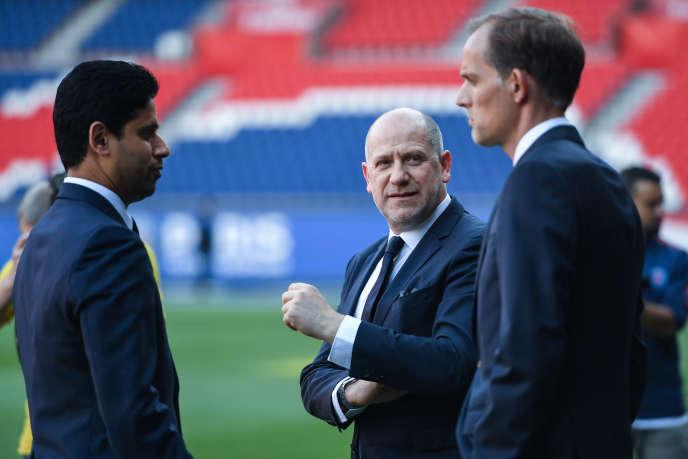 Nasser Al-Khelaïfi, le président du PSG, au côté de Thomas Tuchel, le coach, et d'Antero Henrique, le directeur sportif du club, au Parc des Princes, en mai 2018.