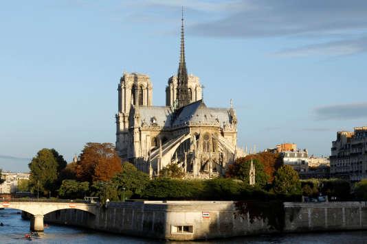 La cathédrale Notre-Dame de Paris est le monument le plus visité de France et d'Europe.