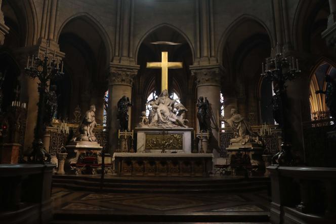 Le chœur de Notre-Dame de Paris, où sont conservés et exposésles principaux objets sacrés et reliques de la cathédrale, en 2018.