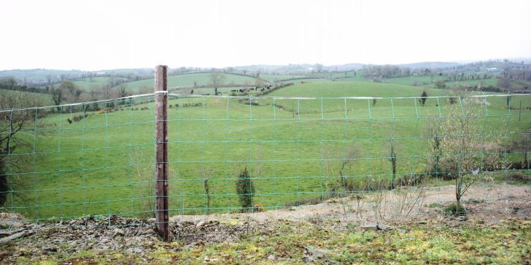 Clontibret (vue sur Irlande du Nord)