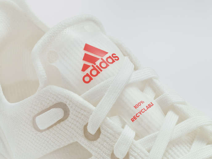 photo de chaussure adidas