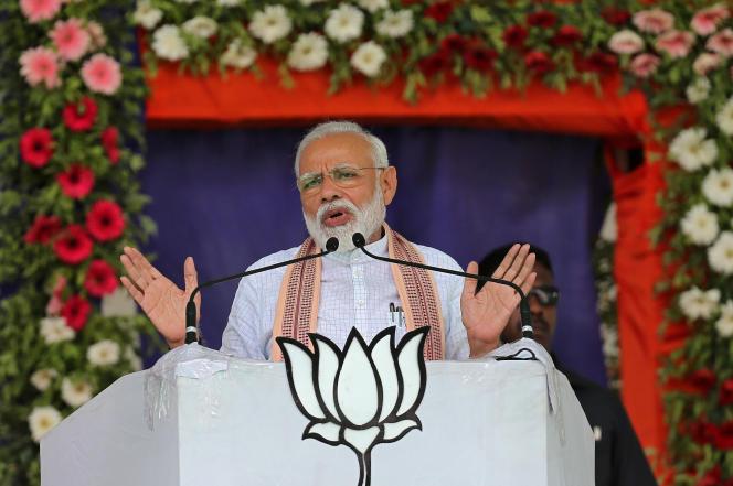 Le premier ministre indien, Narendra Modi, en campagne électorale dans l'Etat du Gujarat (Inde), le 17 avril.