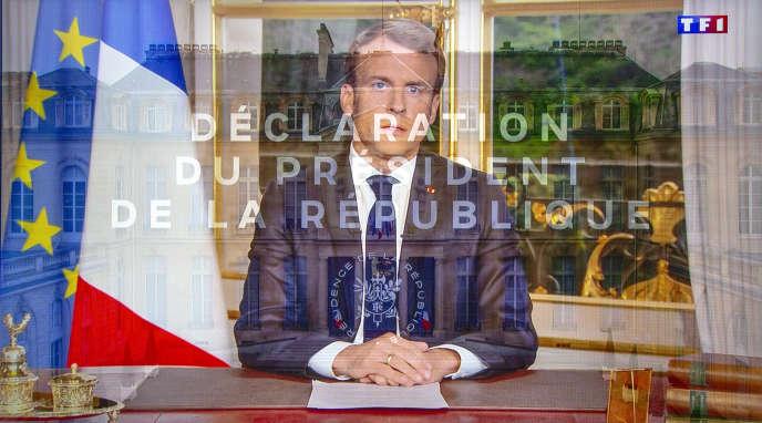 Lors d'une allocution télévisée d'Emmanuel Macron, enregistrée depuis le palais de l'Elysée et diffusée sur TF1, le 16 avril.
