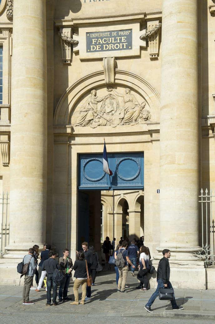 A Paris, place du Panthéon, dans le 6e arrondissement, la faculté de droit de l'université Panthéon-Sorbonne.