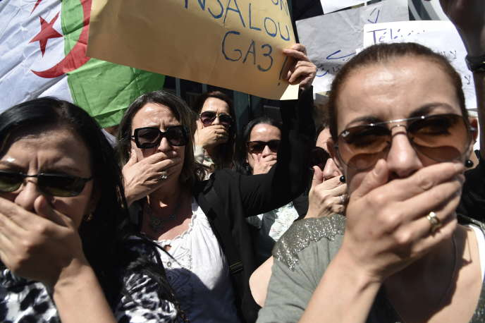 Manifestation contre la censure, à Alger, le 15 avril.