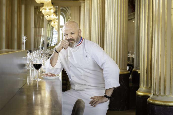 Philippe Etchebest, dans son restaurant Le Quatrième Mur, à Bordeaux, le 25 mars.