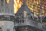 Des pompiers racontent l'intervention qu'ils ont eu à mener à Notre-Dame de Paris le lundi 15 avril après qu'un incendie s'est déclaré dans les combles.
