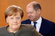 Angela Merkel, et son ministre des finances, Olaf Scholz, à Berlin, le 17 avril.