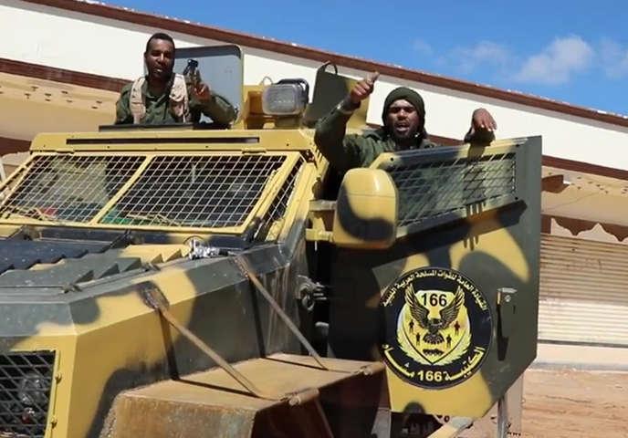 Des combattants de l'Armée nationale libyenne du maréchal Khalifa Haftar, dans la banlieue sud de Tripoli, le 16 avril 2019.