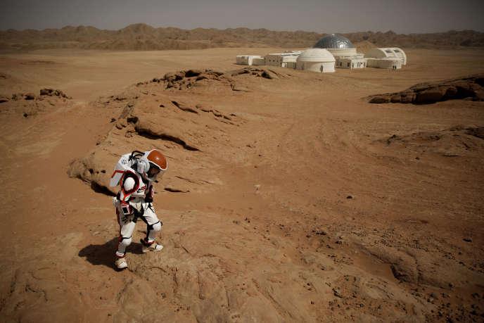 Près de la base de simulation Mars du projet C-Space, près de Jinchang, dans la province du Gansu, en Chine, le 18 avril.