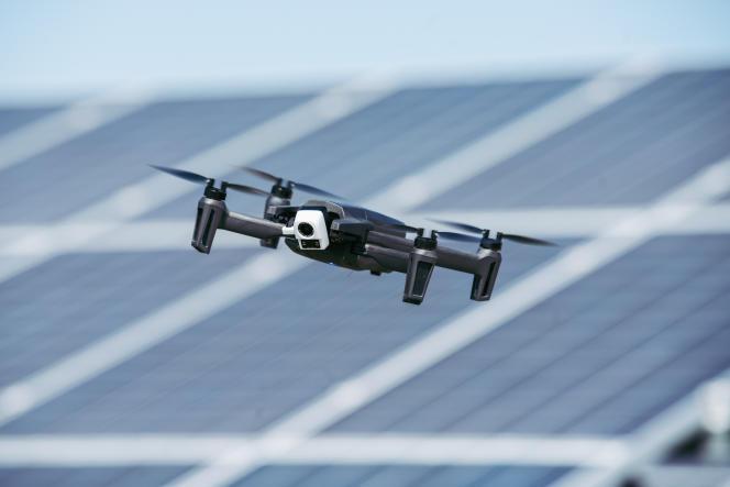 Equipé de deux caméras, dont une thermique, Anafi Thermal peut rester en vol pendant plus de vingt minutes.