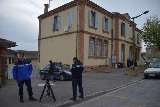Devant l'entrée de l'école Jules-Ferry àBessens (Tarn-et-Garonne), le 18 avril 2019.