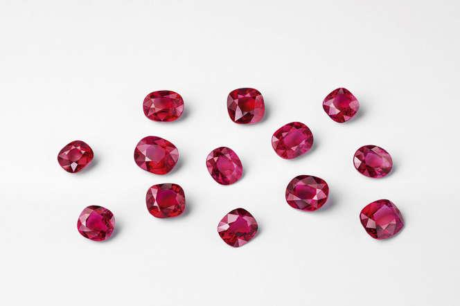 Lot de 13 rubis (35,05 carats) du bracelet Éventail souverain.