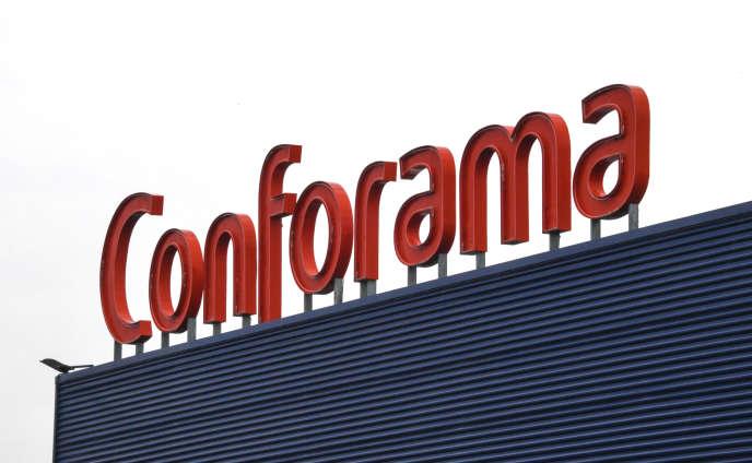 En janvier 2018, «Challenges » avait été obligé de retirer de son site, sous peine d'une astreinte de 10 000 euros par jour, un article consacré aux déboires financiers de l'enseigne Conforama.