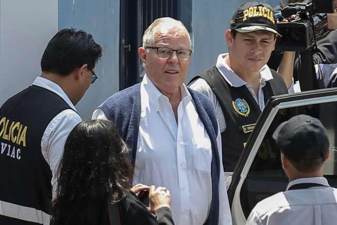 L'ancien président péruvien, Pedro Pablo Kuczynski, est arrêté à Lima le 10 avril 2019 après avoir étécondamné à trente-six mois de prison préventive.