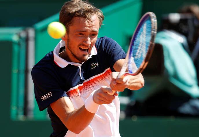 Medvedev a aligné une 4e victoire d'affilée sur la terre battue de Monte-Carlo alors qu'avant ce tournoi il n'en comptait en tout et pour tout que deux sur cette surface depuis ses débuts sur le circuit principal de l'ATP il y a trois ans.