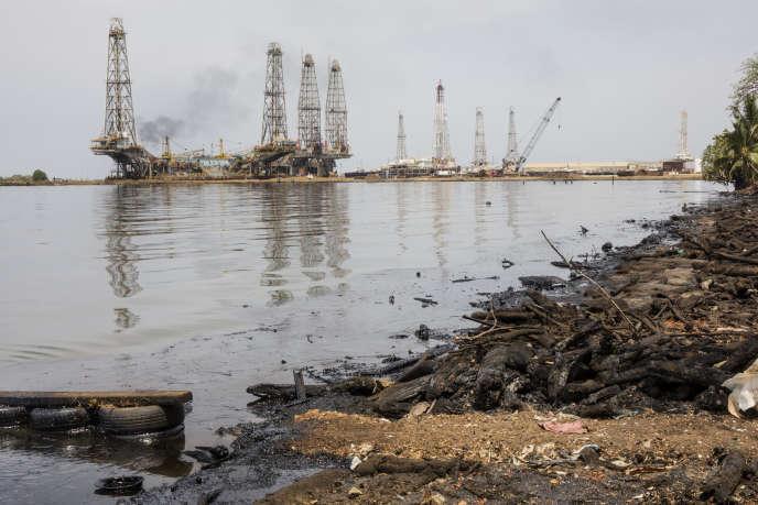 Installation pétrolière, à Cabimas, au Venezuela, le 2 avril.