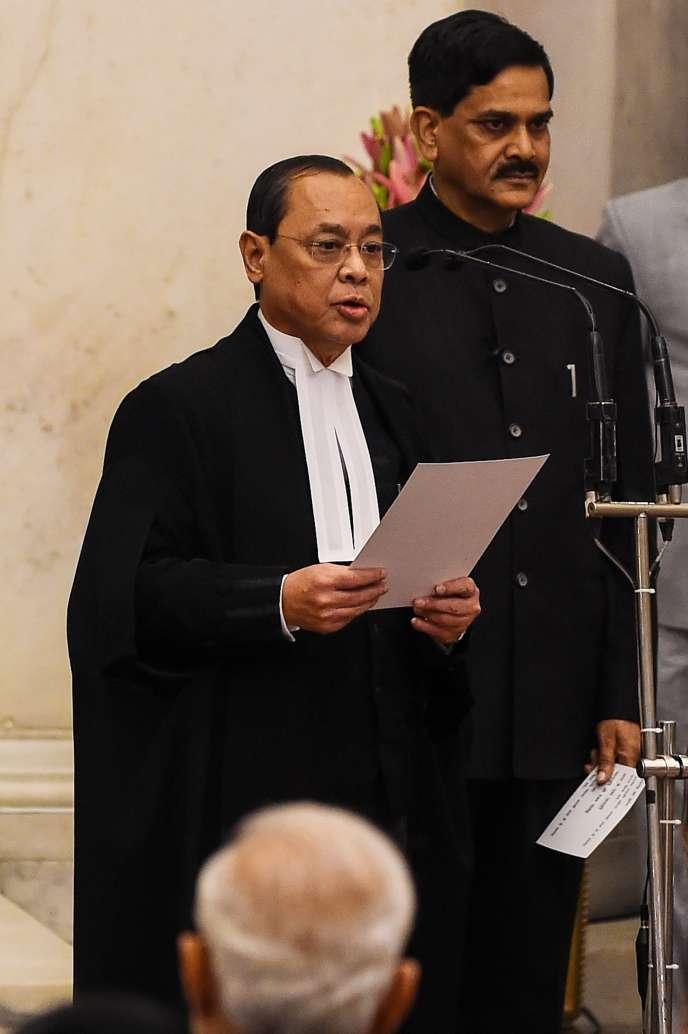 Le président de la Cour suprême indienne, Ranjan Gogoi, lors de la cérémonie de son assermentation, à New Delhi,le 3 octobre 2018.