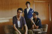 Le trio Radio Elvis.